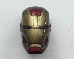 画像1: カスタム バトルダメージ・ヘルメット版 アイアンマン *お取り寄せ
